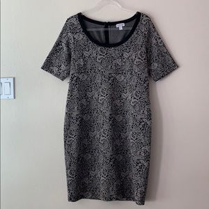 A Pea In The Pod Black and Grey Floral Dress